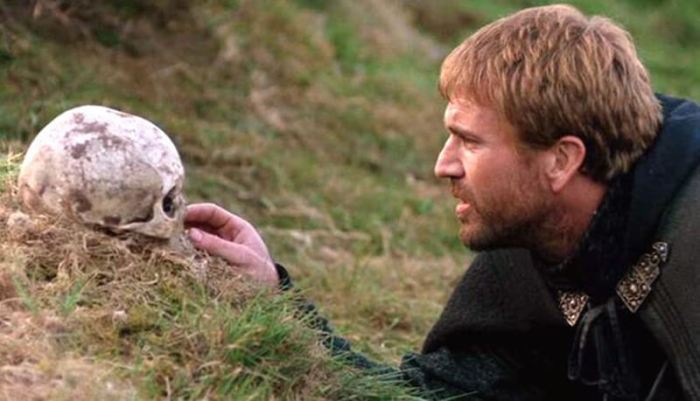 On the Greatness of Mel Gibson's Hamlet